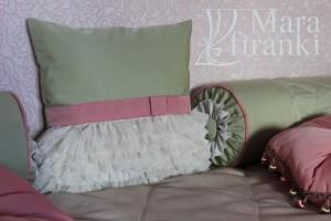 яркие подушки для детской