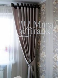 шторы на люверсах в комнате