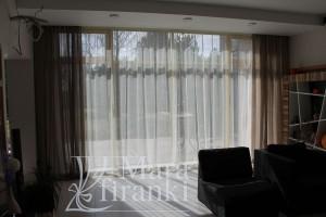полупрозрачные-шторы-для-зала